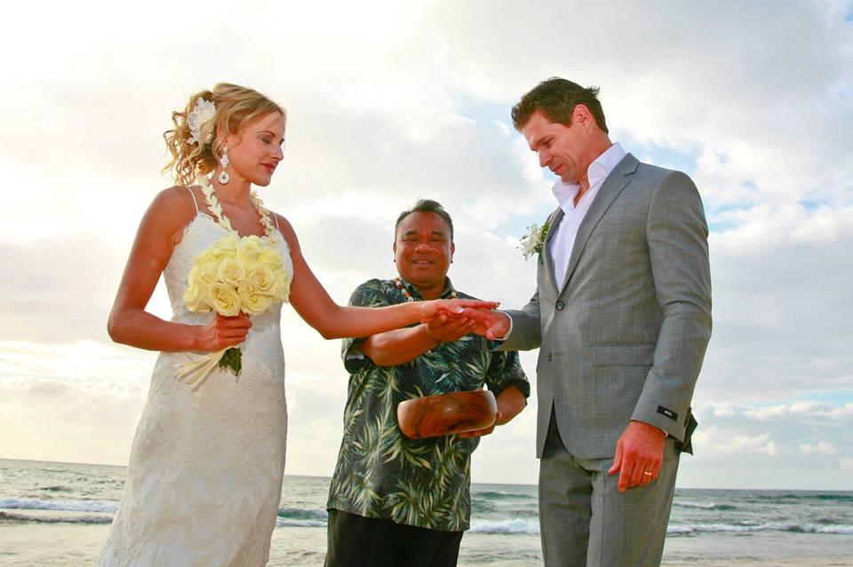 Rev. Jofrey Rabanal Oahu Weddings